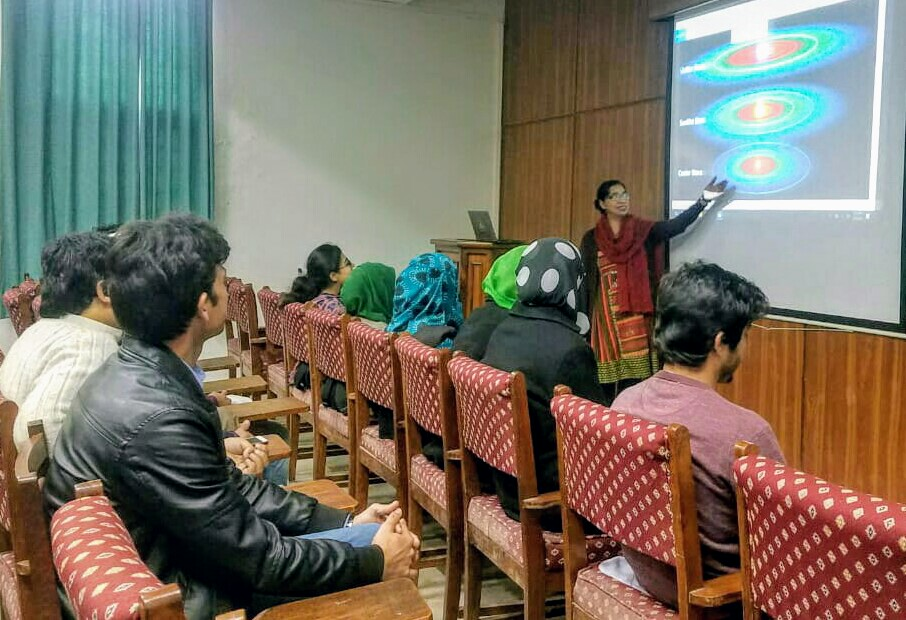 Dr Fariha Hasan while delivering a lecture on Astrobiology