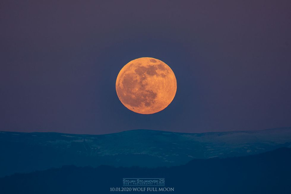 A beautiful image of the moon captured in Kuratica, Macedonia. (Image credit: StojanStojanovski)